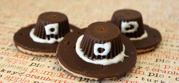 {Pilgrim Hat Cookies & a Virtual Thanksgiving Dinner}