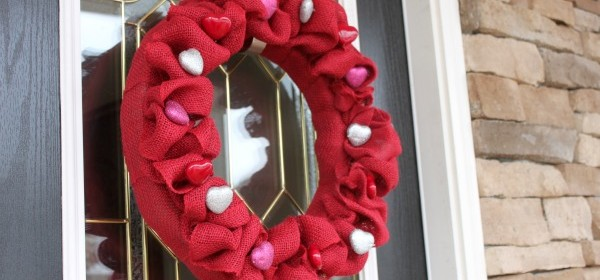{Burlap & Heart Valentine Wreath}