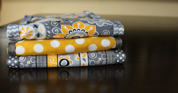 {Easy Burp Cloths}