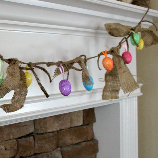 Easter Egg Garland @ WTYFGH