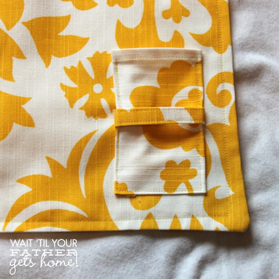 Picnic Style Place Mats @ Wait Til Your Father Gets Home Makes a great gift for an upcoming wedding or simply toss them in your own picnic baskets for cuteness-on-the-go! #placemats #picnic #chevron #sewing