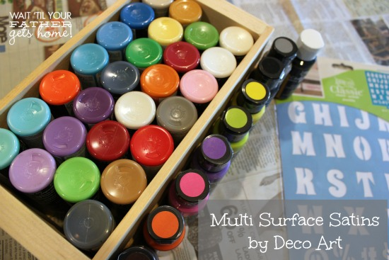 Bedtime Stories Book Crate with @DecoArt_Inc new Multi-Surface Satin paints is the perfect pop of color in your little one's nursery! via www.waittilyourfathergetshome.com #paint #books #crate
