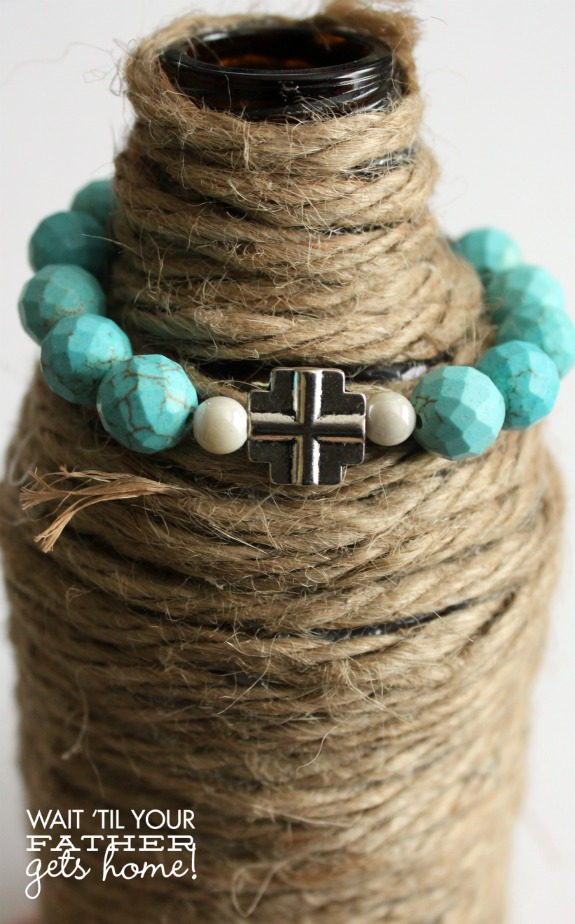 Turquoise & Silver Faith #Bracelet using stretch magic cord via www.waittilyourfathergetshome.com #jewelry #turquoise