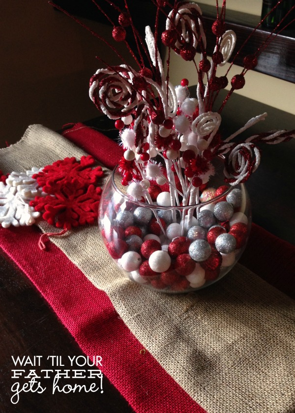 Candy Swirl Centerpiece via www.waittilyourfathergetshome.com #Christmas #winter #centerpiece #red #white #silver #candy
