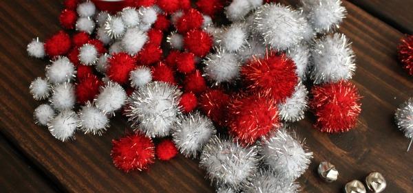 DIY Pom Pom Ornament