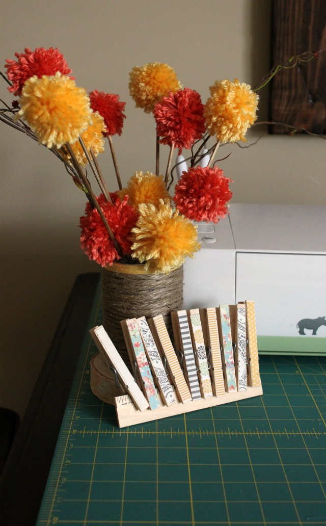 Yarn Pom Pom Bouquet from Wait Til Your Father Gets Home #poms #yarn #bouquet