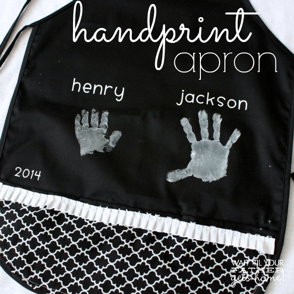 Hand Print Apron for Mother's Day by Wait Til Your Father Gets Home #MothersDay #gifts #apron #handprints #handmade