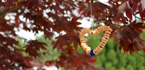 Cheerio Bird Feeder Craft for Kids