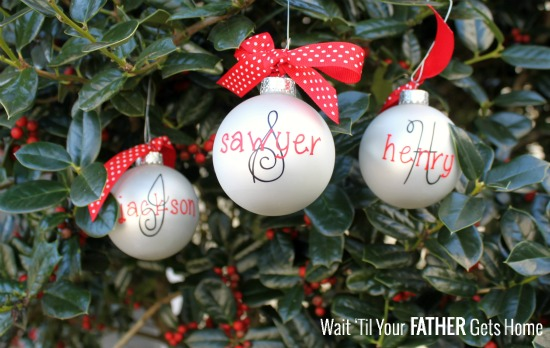 Easy Monogram Christmas Bulbs