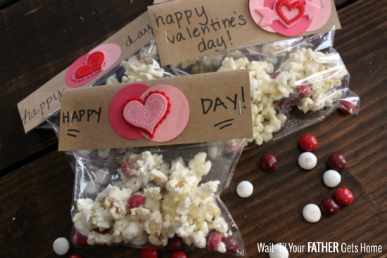 M&M's® Red Velvet Valentine's Day Treat Bags to celebrate the friendships in your life this season via Wait 'Til Your Father Gets Home #cbias #ad #RedVelvetLove #CollectiveBias