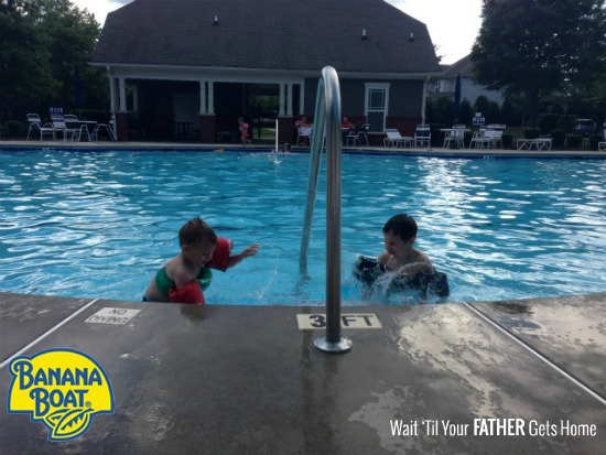 All signs point to summer with BANANA BOAT® and Wait 'Til Your Father Gets Home #BBBestSummerEver #sponsored #ad @BananaBoat