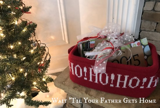Christmas Card Yearbooks | The Ribbon Retreat